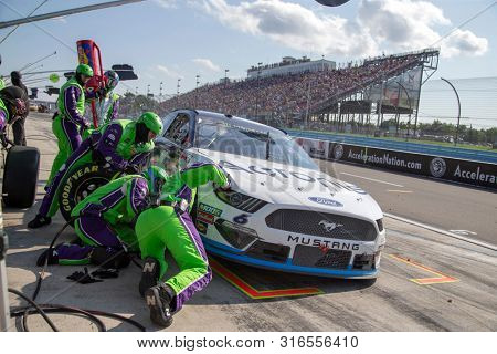 August 04, 2019 - Watkins Glen , New York, USA: Ryan Newman (6) and crew make a pit stop for the Go Bowling at The Glen at Watkins Glen International in Watkins Glen , New York.
