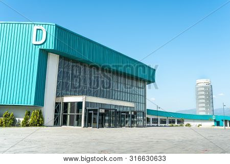 Izmir, Turkey - 25 May 2019: Fuar Izmir Gaziemir Hall D The Most Modern And Newest Exhibition Hair C