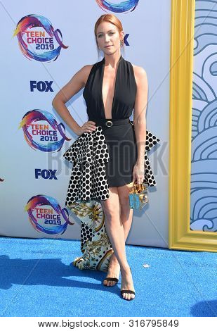 LOS ANGELES - AUG 11:  Brittany Snow arrives for the 2019 Teen Choice Awards on August 11, 2019 in Hermosa Beach, CA