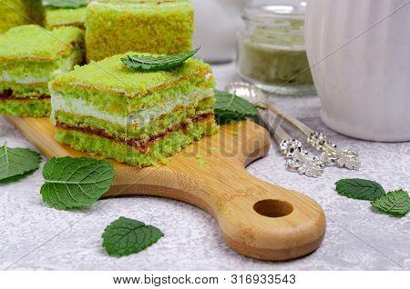 Traditional Green Sponge Cake