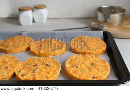 How To Make A Cutlet For Veggie Chickpea Burger At Home. Step By Step Instruction. Step 7. Cover The