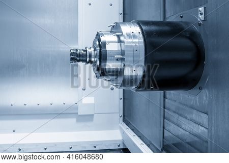 The Spindle Of Horizontal Cnc Machining Center. The Horizontal Type Of Cnc Milling Machine.