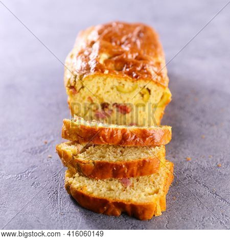 savory loaf cake- cae with ham, olive and cheese