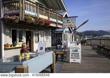Seward, Alaska / Usa - August 08, 2019: Seward Souvenir Shop And Bar, Seward, Alaska, Usa