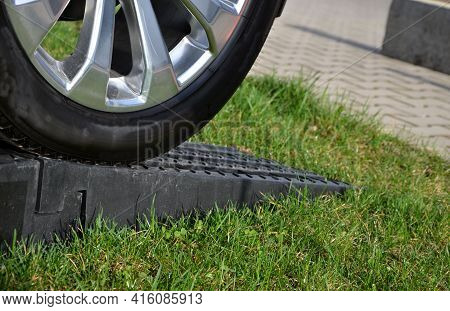 When Selling New Or Second-hand Cars, It Is Nicely Polished And Placed On A Mown Lawn. To Make It Ea