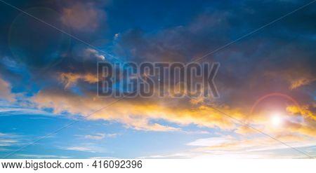 Sunset sky landscape,sky panorama,sunset sky background,blue evening sky and orange clouds.Sunset sky,sky background,sunny sky,vast sky landscape,sky landscape.Sky background.Dramatic blue sky background,sky landscape,sky panoramic scene,sunny sky, sky la
