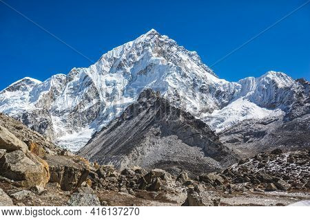 Khumbu Glacier On The Way To Everest Base Camp. Himalayas, Nepal