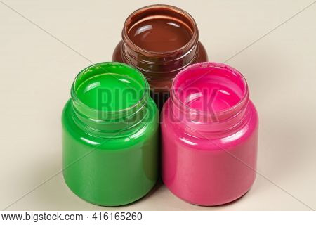 3 Open Gouache Color Paint Glass Opened Align
