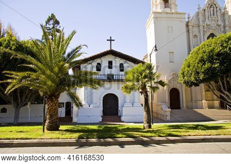 Mission San Francisco De Asís - Mission Dolores, 1776, Is A Spanish Californian Mission And The Olde