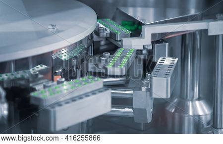 Capsule Pharmaceutical Pills Counting And Filling Machine. Pharmaceutical Industry