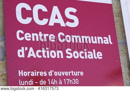 Bordeaux , Aquitaine France - 04 07 2021 : Ccas Logo French And Text Sign On Wall Centre Communal D'