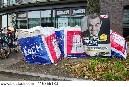 Placard Of The Cdu. Hamburg State Elections, Garbage Bags With Hamburg Coat Of Arms And The Inscript
