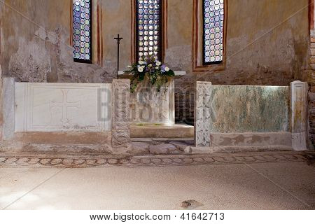 Altar Of The Baptistery, Grado