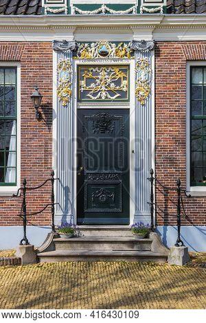 Zaanse Schans, Netherlands - March 31, 2021: Front Door Of A Historic House In Zaanse Schans, Nether