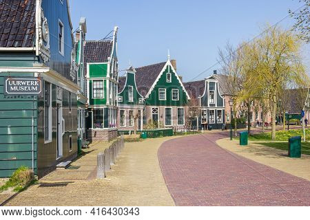Zaanse Schans, Netherlands - March 31, 2021: Traditional Dutch Houses And Museum In The Central Stre
