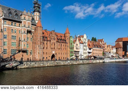 Gdansk, Poland - Sept 9, 2020: Old Town Of Gdansk With The Mariacka Gate And A Promenade Along The R