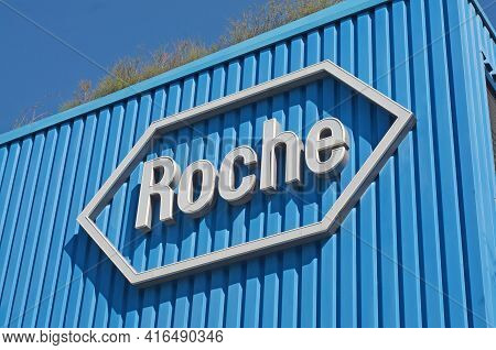 Rotkreuz, Zug, Switzerland - 28th March 2021 : Roche Sign In Front At The Roche Diagnostics Campus I