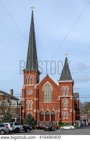 Port Jervis, Ny - Usa - April 10,2021: View Of The Historic St. Mary's Roman Catholic Church At 50 B