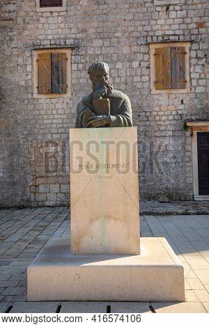 Stari Grad, Croatia - 28.03.2021: Statue Of Petar Hektorovic In Hvar, Croatia