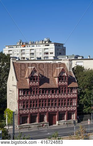 The Quatrans House (french: Maison Des Quatrans) Is A Half-timbered House Built In The 1460s In The