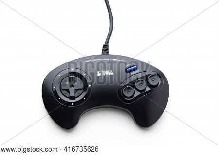 Varna, Bulgaria, 30 Mart 2021: Sega Mega Drive 16-bit Gaming Console's Controller Isolated On A Whit