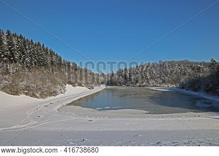 Winter Landscape Frozen Lake Clear Winter Day