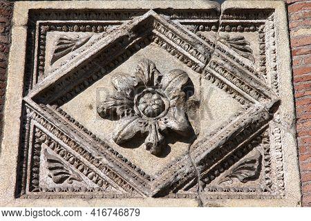 Rome City, Italy. Casa Dei Crescenzi, Medieval Landmark At Forum Boarium. Rome Landmark Architectura