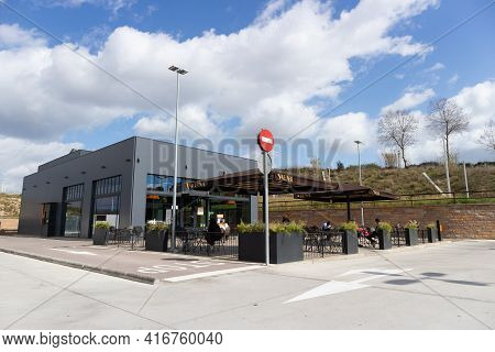 LliÇÀ D'amunt, Spain - 14 March 2021- Catalan Fast Food Chain Called Viena With Outdoor Tables And P