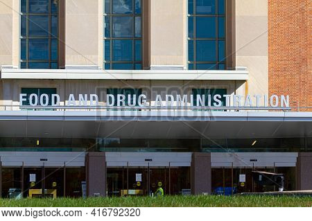Silver Spring, Md, Usa 11/10/2020: Exterior View Of The Headquarters Of Us Food And Drug Administrat