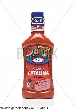 IRVINE, CALIFORNIA - AUGUST 30, 2019: A bottle of Kraft Classic Catalina Salad Dressing.