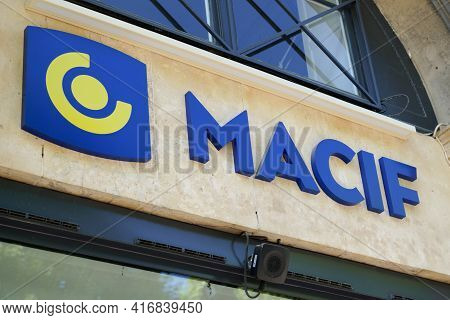Bordeaux , Aquitaine France - 04 10 2021 : Macif Logo Text And Brand Sign Front Of French Office Mut