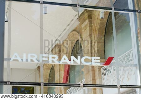 Bordeaux , Aquitaine France - 04 10 2021 : Air France Logo Sign And Brand Text Of French Agency To C