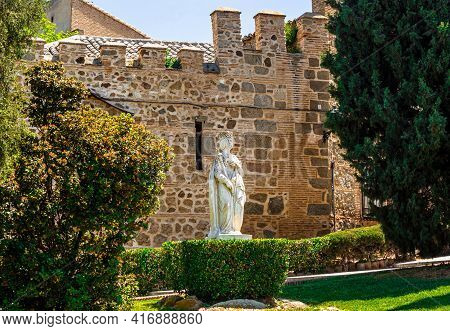 Toledo, Castilla La Mancha Spain - 12 May 2013: Statue Of Isabella I Of Castile On The Background Of