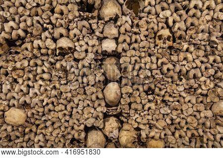 Skulls And Bones - Scary Skulls And Bones In The Catacombs Of Paris
