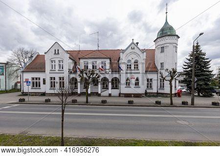 Janowiec Wlkp., Kuyavian-pomeranian Voivodeship Poland - April, 14, 2021: Town Hall Buildings In A S