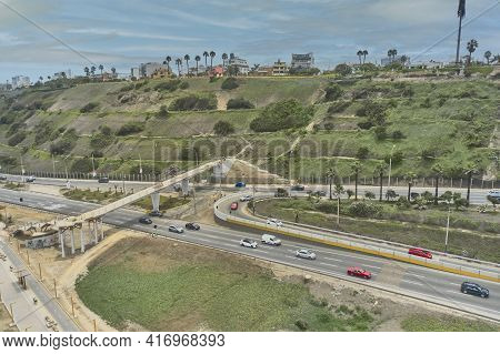 Expressway Costa Verde, At The Height Of The San Isidro District In The City Of Lima, Pedestrian Wal