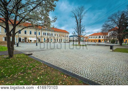 Well Known Transylvanian Touristic City And Travel Destination. Paved City Center With Water Fountai