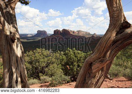 Sedona, Arizona / Usa - August 01, 2015: Arizona Landscape Near Sedona, Sedona, Arizona, Usa