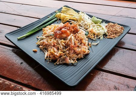 Stir-fried Rice Noodles With Shrimp And Vegetables (pad Thai), Delicious Thai Traditional Food And S
