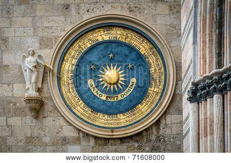 Eternal calendar in Messina