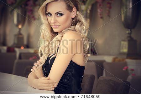 Girl In Black , Hair Style At Restaurant