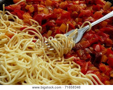 spaghetti and braised vegetables