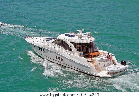 Luxurious Cabin Cruiser
