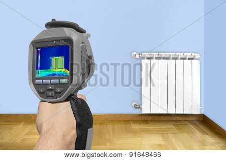 Recording Radiator With Thermal Camera