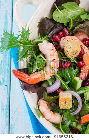 Fresh Salad With Prawns And Pomegranade Seeds