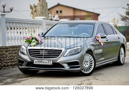 KHABAROVSK, RUSSIA - October 17, 2015 : Mersedes AMG  decorated for wedding walk