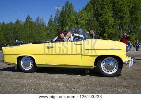 KERIMYAKI, FINLAND - JUNE 06, 2015: Skoda Felicia cabrio to the profile. The parade of vintage cars in Kerimyaki