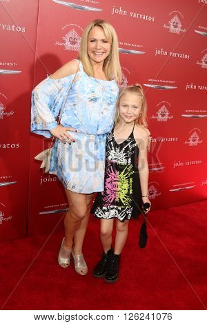 LAS VEGAS - APR 17:  Barbara Alyn Woods, Alyvia Alyn Lind at the John Varvatos 13th Annual Stuart House Benefit at the John Varvatos Store on April 17, 2016 in West Hollywood, CA