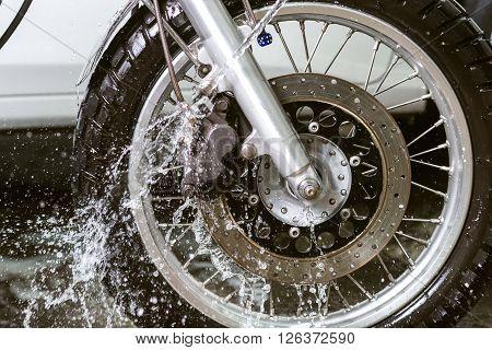 Motorcycle washing series : Washing front wheel