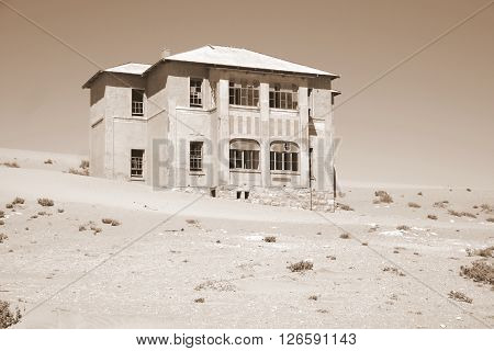 Desert mansion Ludertiz Kolmanskop Desert House Architecture Old Abondoned Holiday Home Vacation Country Travel